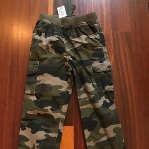 The Children's Place brand Camo Cargo Pants NWT 4T